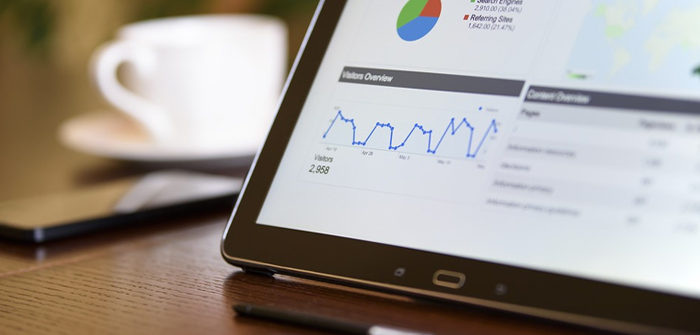 5 internet marketing tip for better business, picture of a tablet with google analytics on it and a coffee cup in the background for internet marketing tips